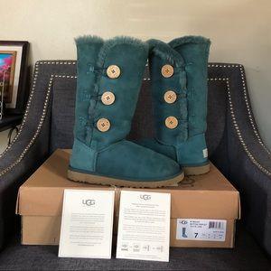 UGG Australia  W Bailey Button Triplet Boots